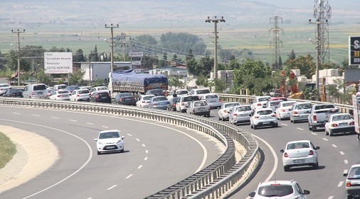 Trafik yoğunluğu devam ediyor
